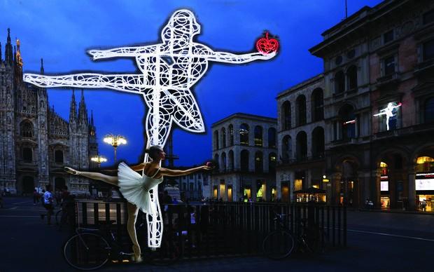 Marco Lodola, Eden, piazza Duomo, Milano