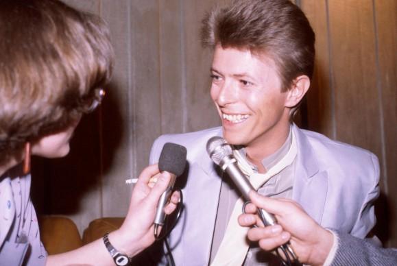 David Bowie intervistato in occasione dei Natiowide Rock and Pop Awards del 1981