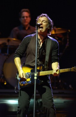 Bruce Springsteen live a Madrid nel 2003 (Photo by Carlos Alvarez/Getty Images)