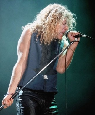 Robert Plant live nel 1995 al Rosemont Horizon vicino Chicago (Photo by Tim Boyle/Getty Images)