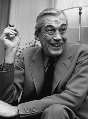 John Huston al Claridges di Londra, nel 1966 (Photo by Fred Mott/Evening Standard/Getty Images)