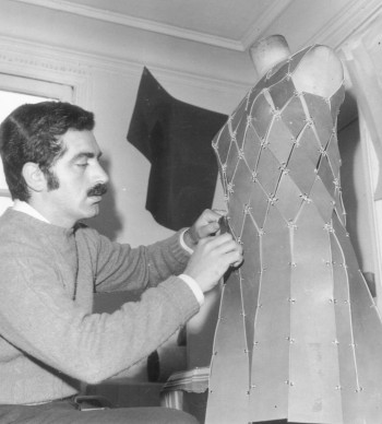 Paco Rabanne al lavoro nel 1965 (Photo by Keystone/Getty Images)