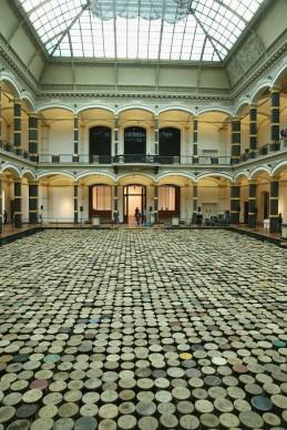 Ai Weiwei, Stools, 2014, Museo Martin-Gropius Bau, Berlino (Photo by Sean Gallup/Getty Images)