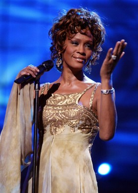 Whitney Houston live ai World Music Awards del 2004, a Las Vegas (Photo by Kevin Winter/Getty Images)