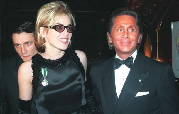 Sharon Stone e Valentino a Parigi (Photo: PIERRE BOUSSEL/AFP/Getty Images)