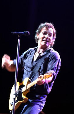 """Bruce """"The Boss"""" Springsteen live in Nuova Zelanda (Photo by Ross Land/Getty Images)"""