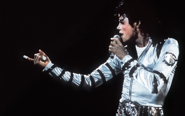 Michael Jackson in concerto al Reichstag di Berlino, nel 1988 (Photo by AFP/Getty Images)