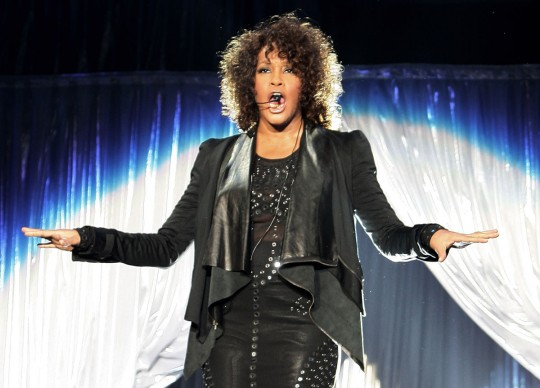 Whitney Houston in concerto proprio in Italia, al Mediolanum Forum di Milano, nel maggio del 2010 (Photo by Vittorio Zunino Celotto/Getty Images)