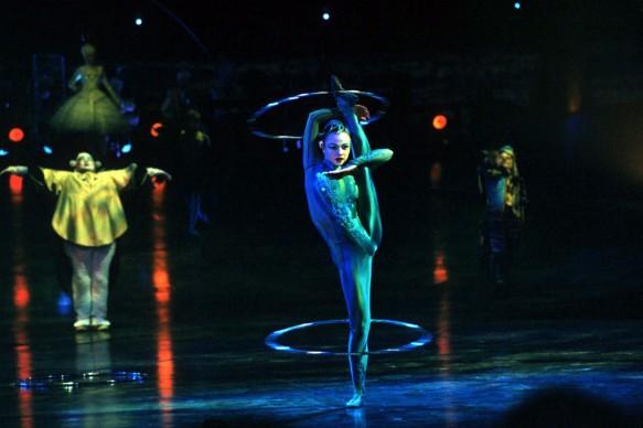Cirque du Soleil, Alegria. Photo: Al Seib Costume: Dominique Lemieux © 1996 Cirque du Soleil