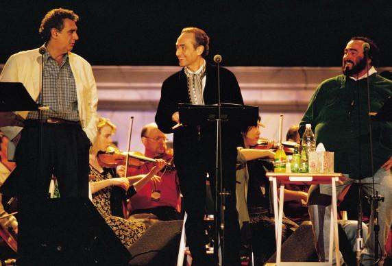 Placido Domingo, Jose Carreras e Luciano Pavarotti live durante un concerto dei Tre Tenori a Miami (Photo by Francis Tsang/Cover/Getty Images)