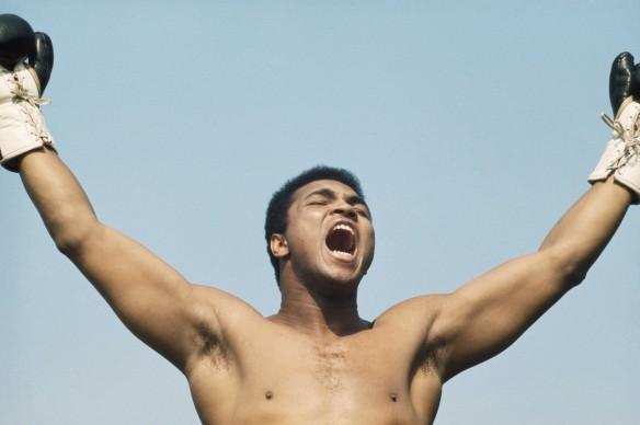 Muhammad Ali, conosciuto anche come Cassius Clay, si prepara al match contro Al 'Blue' Lewis del 1972 (Photo by Getty Images)