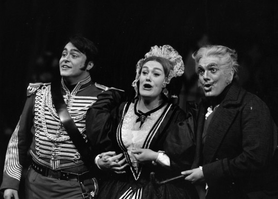 Luciano Pavarotti nella rappresentazione de 'La Fille du Regiment' di Donizetti alla Covent Garden Opera House (Photo by Erich Auerbach/Getty Images)