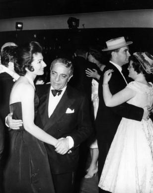 Onassis e Maria Callas ballano allo Sporting Club di Monte Carlo (Photo by Keystone/Getty Images)