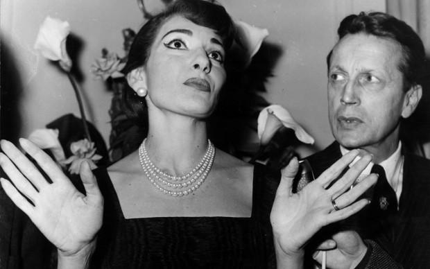 Maria Callas a Parigi per il suo primo concerto in Francia, nel dicembre del 1958 Maria Callas a Londra nel settembre del 1977 (Photo by Central Press/Getty Images)