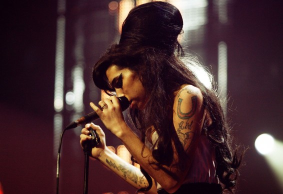 Amy Winehouse live agli Music of Black Origin Awards del 2007 (Photo by Jo Hale/Getty Images)