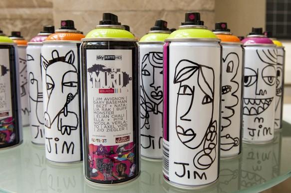 Bombolette spray disegnate e firmate da Jim Avignon durante la presentazione del programma di Sky Arte 'Muro', dedicato alla street art