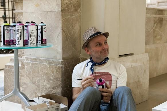 Jim Avignon durante la presentazione del programma di Sky Arte 'Muro', dedicato alla street art