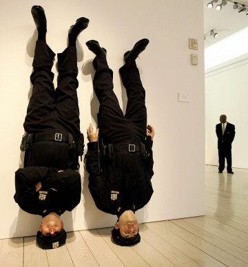 Maurizio Cattelan, Frank and Jamie, esposizione presso la casa d'aste Christie's a New York nel maggio del 2005 (Photo by TIMOTHY A. CLARY/AFP/Getty Images)