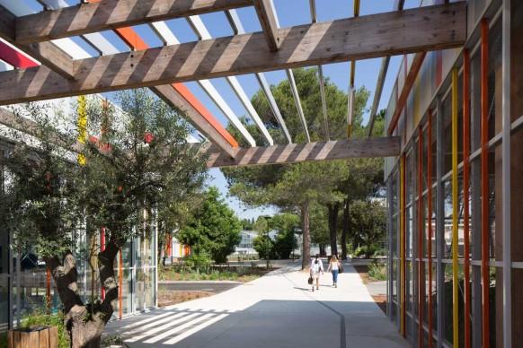 NBJ Architectes, Liceo agrario Honoré de Balzac a Castelnau-le-Lez, Francia. Photo credit © photoarchitecture.com