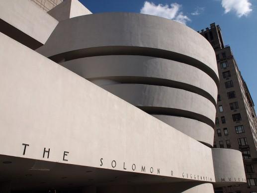 Vista esterna del Guggenheim Museum di New York dalla Fifth Avenue (Fonte: Wikipedia)