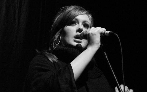 Adele cantante britannica in concerto nel 2009