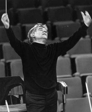 Leonard Bernstein in concerto nel dicembre del 1966 (Photo by Erich Auerbach/Getty Images)