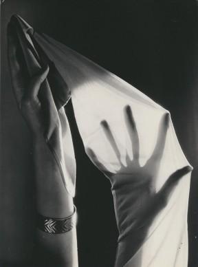 Hein Gorny, Rogo-Strümpfe (Calze Rogo), 1935 ca. © Hein Gorny Collection Regard