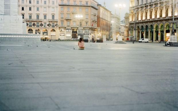 Marina-Ballo-Charmet-Piazzaduomo-2011