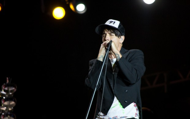 Red_Hot_Chili_Peppers_-_Rock_in_Rio_Madrid_2012