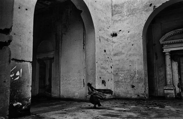 Lorenzo Tugnoli, The Little Book of Kabul, 2014. Immagine dal libro fotografico, 204 pagine bianco/nero, 22x17cm, volume autoprodotto. Courtesy l'artista