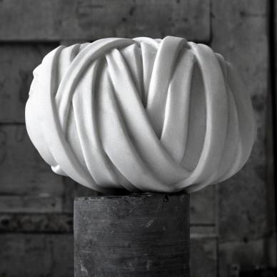Cagdas Sari - Bozzolo, 2014, marmo di Carrara, cm 15x10x10. Courtesy Laboratori artistici Nicoli - Carrara