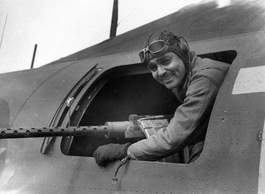 Clark Gable nel giugno del 1943, nel periodo in cui prestò servizio presso l'aeronautica militare come istruttore (Photo by Keystone/Getty Images)