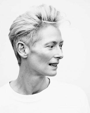 Un ritratto in bianco e nero di Tilda Swinton scattato durante l'ultima edizione della Mostra del Cinema di Venezia, nel settembre del 2015 (Photo by Ian Gavan/Getty Images)