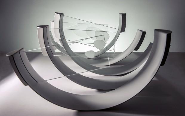 Max Coppeta – Flow / Piogge sintetiche, 2015. Acqua cristallizzata su vetro, alluminio verniciato a fuoco. 60x520cm h30cm. Foto © Rosario Spanò | proDUCKtion.it, courtesy Galleria ART1307 / Cynthia Penna