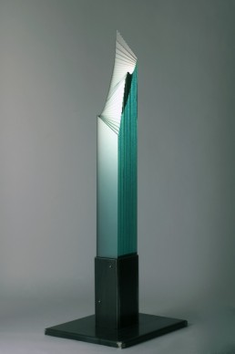 Oki Izumi, Water signal, 2001, vetro ferro, cm 65x55x173