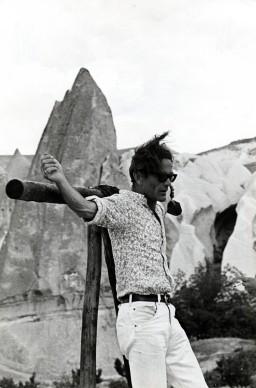 Pier Paolo Pasolini sul set di Medea, 1969.© Mario Tursi.