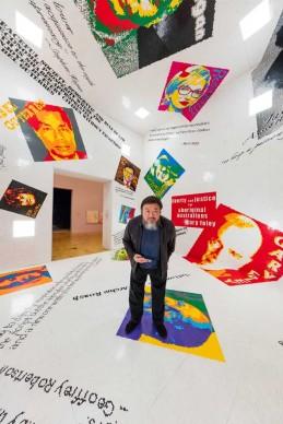 Ai Weiwei presso la mostra Andy Warhol | Ai Weiwei, National Gallery of Victoria, 11 dicembre 2015 – 24 aprile 2016. Ai Weiwei artwork © Ai Weiwei. Photo: John Gollings