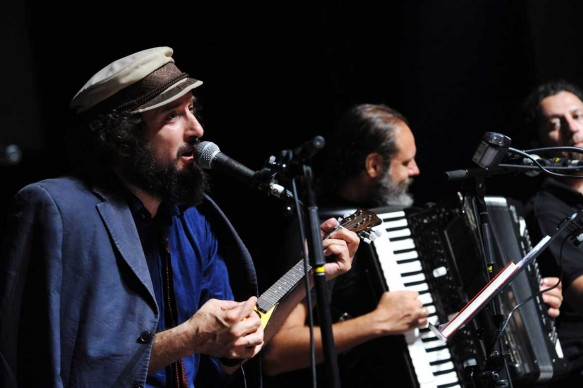 Vinicio Capossela live al 66esimo Festival del film Locarno, agosto 2013 (Photo by Pier Marco Tacca/Getty Images)