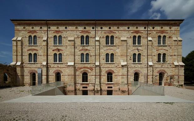 Massimo Carmassi con ISP e IUAV Studi e Progetti Restauro del Panificio della Caserma Santa Marta in sede universitaria Verona, Italia 2014