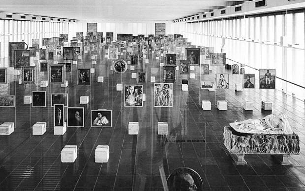 allestimento-di-Lina-Bo-Bardi-Museu-de-Arte-de-São-Paulo-1968