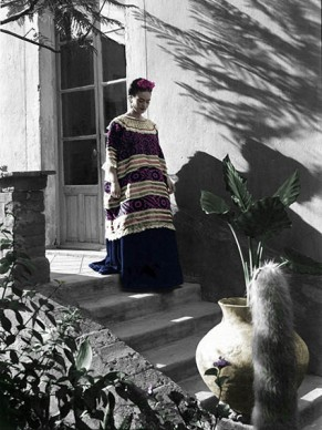 "Frida Kahlo, fotografata da Leo Matiz ©Eva Alejandra Matiz and ""The Leo Matiz Foundation"""