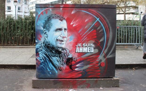 street art parigi je suis ahmed vittima attentato charlie hebdo