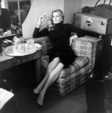 Anita Ekberg nel novembre del 1955 (Photo by Bob Haswell/Express/Getty Images)