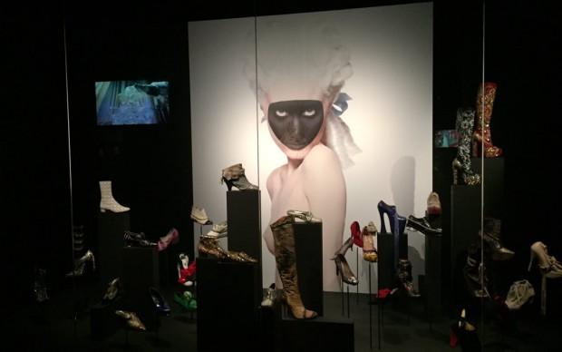 footprint mostra scarpe fashion design moda