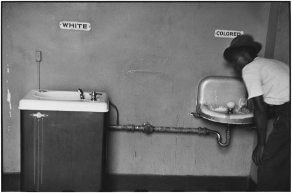 North Carolina, United States - 1950. © Elliott Erwitt