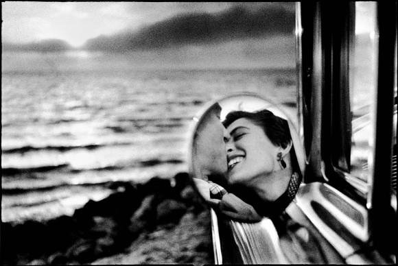 CALIFORNIA, United States - 1955. © Elliott Erwitt / Magnum Photos
