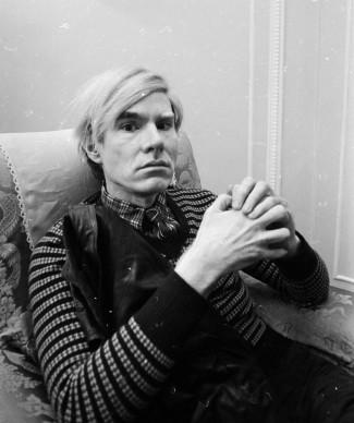 Andy Warhol a Londra nel febbraio del 1971, per promuovere il film Trash diretto da Paul Morrissey (Photo by Powell/Express/Getty Images)