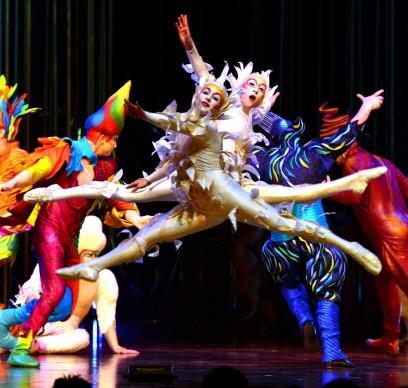 Cirque du Soleil, Varekai. Photo by Jarid A. Barringer  – Costumes by Eiko Ishioka