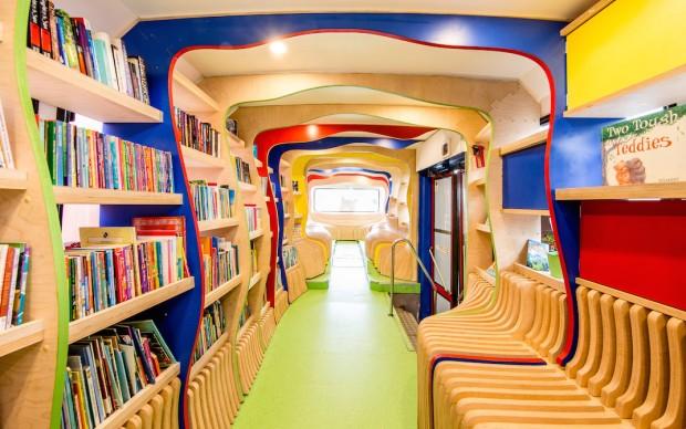 russ the buss sydney festival lava biblioteca su ruote per bambini