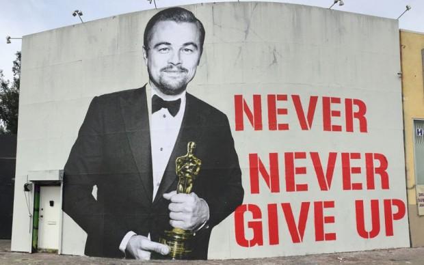 Los Angeles murale-dedicato-a-Leonardo-DiCaprio vincitore premio Oscar